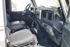 land-rover-defender-G4-right-interior-www.oliversclassics.com