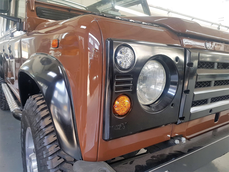 land-rover-defender-soft-top-front-www.oliversclassics.com