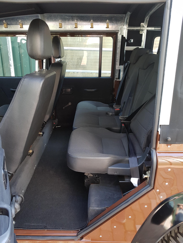 second-row-seats-land-rover-defender-110-oliversclassics.com
