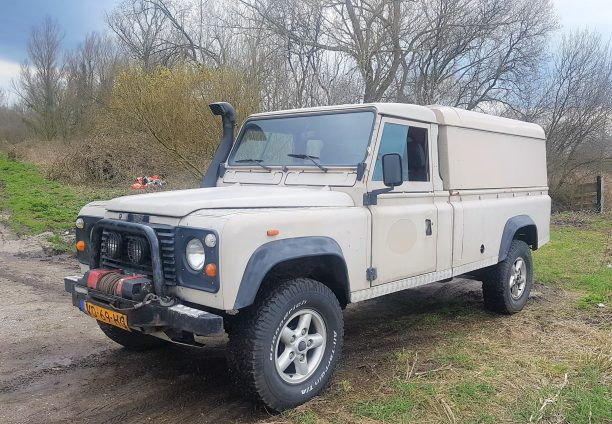 Low mileage Land Rover Defender 127