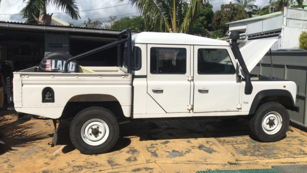 land rover defender 130 crewcab side view